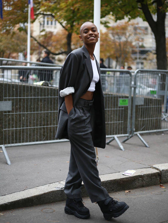 22b0f6fa51f Si vous choisissez de porter votre tailleur pantalon façon boyfriend