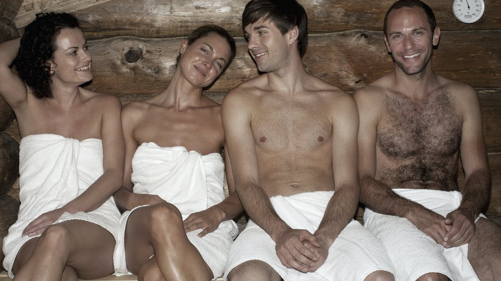 Nackt gemeinsam Nudistische Schulerziehung