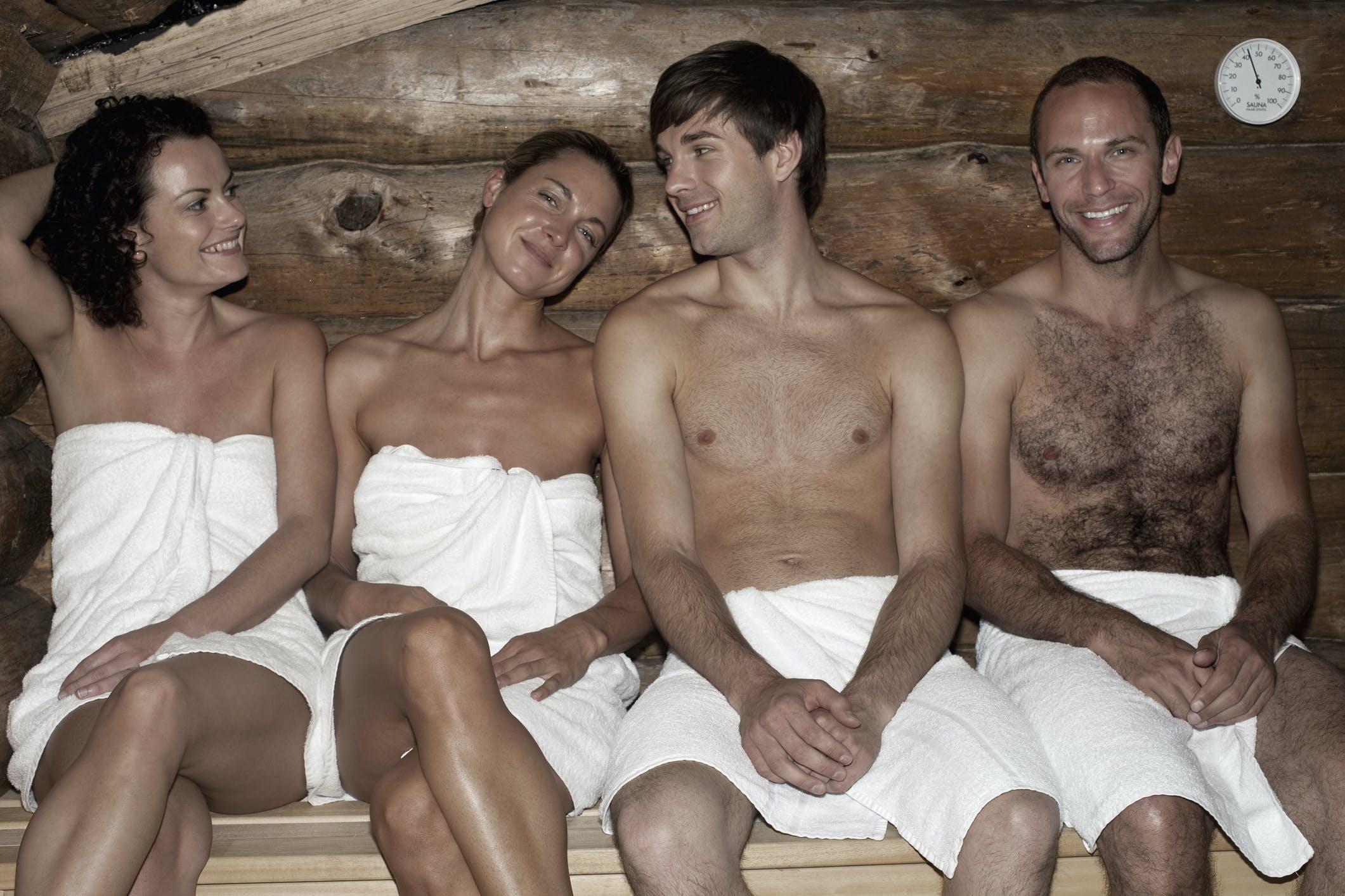 breitbeinig sauna