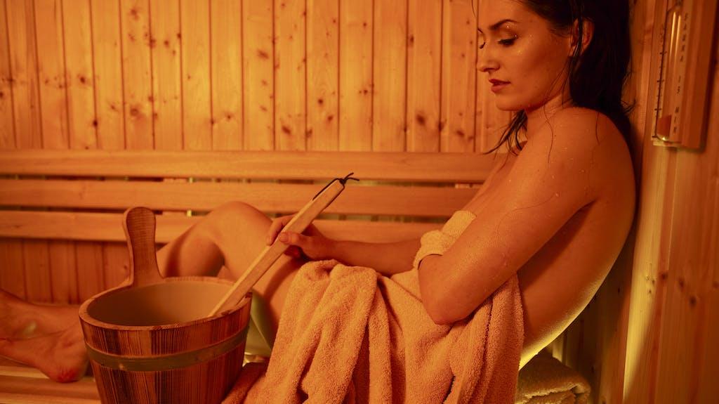 muss man in der sauna nackt sein