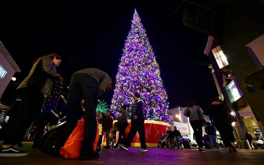 Les Millennials Americains Preferent Bonnes Fetes A Joyeux Noel