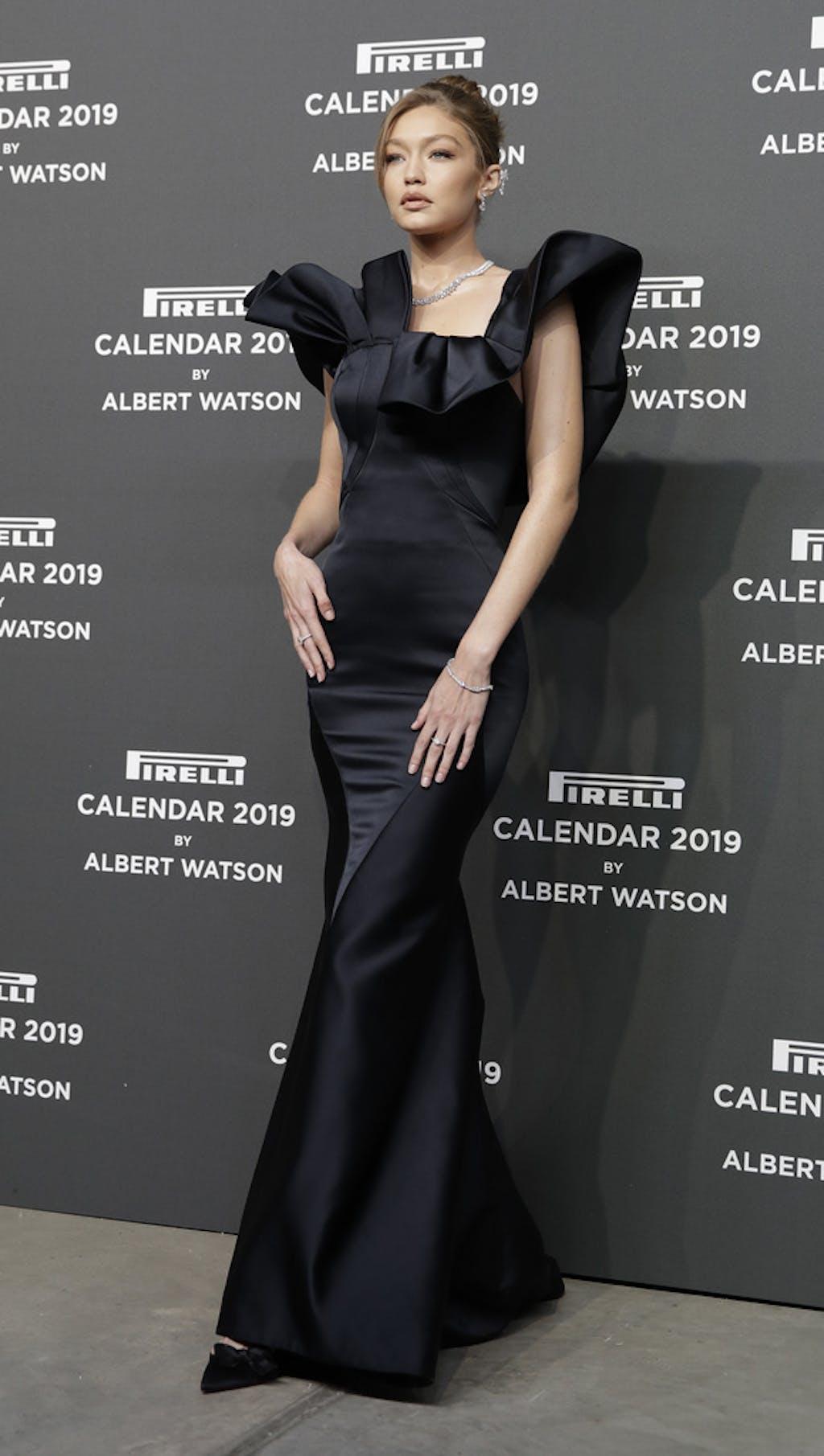 Nuovo Calendario Pirelli 2019.Gigi Hadid Laetitia Casta E Julia Garner I Volti Del