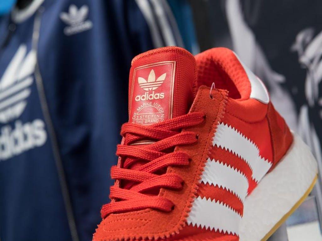 lowest price 2dda9 bda4a Nur Adidas darf drei Streifen haben