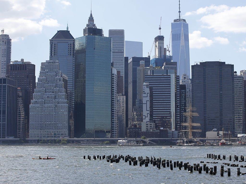 Spektakulärer Hubschrauberabsturz in New York