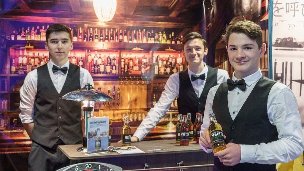 Geschäftstüchtig: 6 Zürcher Schüler lancieren Getränk
