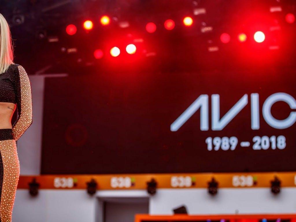 Rita Ora bittet um Schweigeminute für Avicii