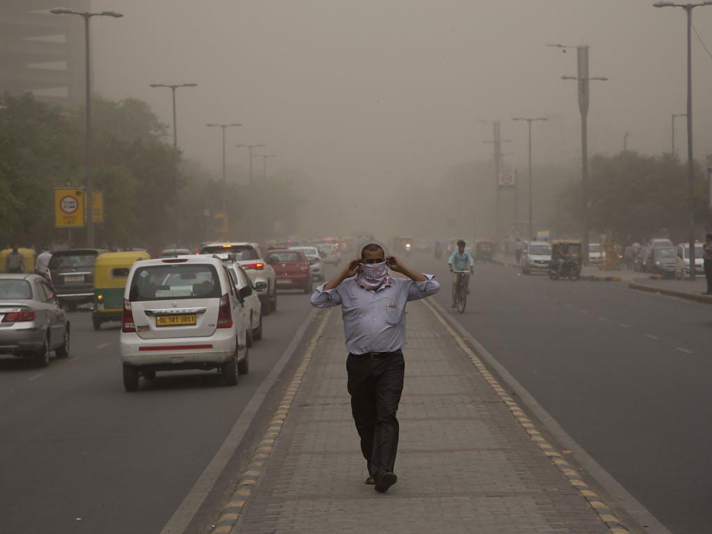 Mindestens 77 Tote und 143 Verletzte bei Sandstürmen im Norden Indiens