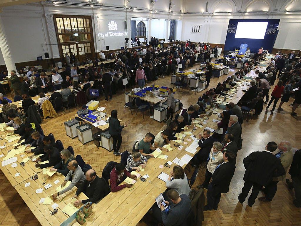 Stimmungstest für Theresa May bei Kommunalwahl in England