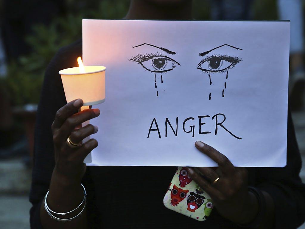 Indien: Mädchen vergewaltigt und verbrannt