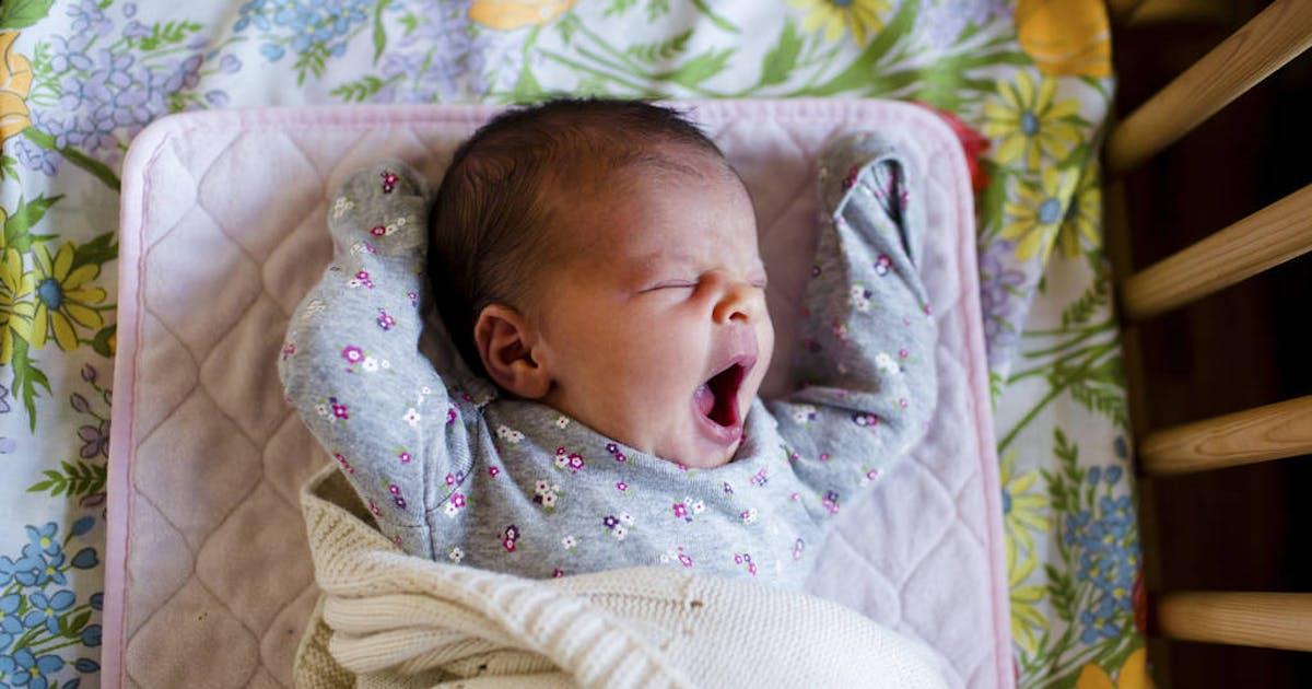 Dormire sul divano col neonato ecco perch non farlo - Dormire sul divano ...