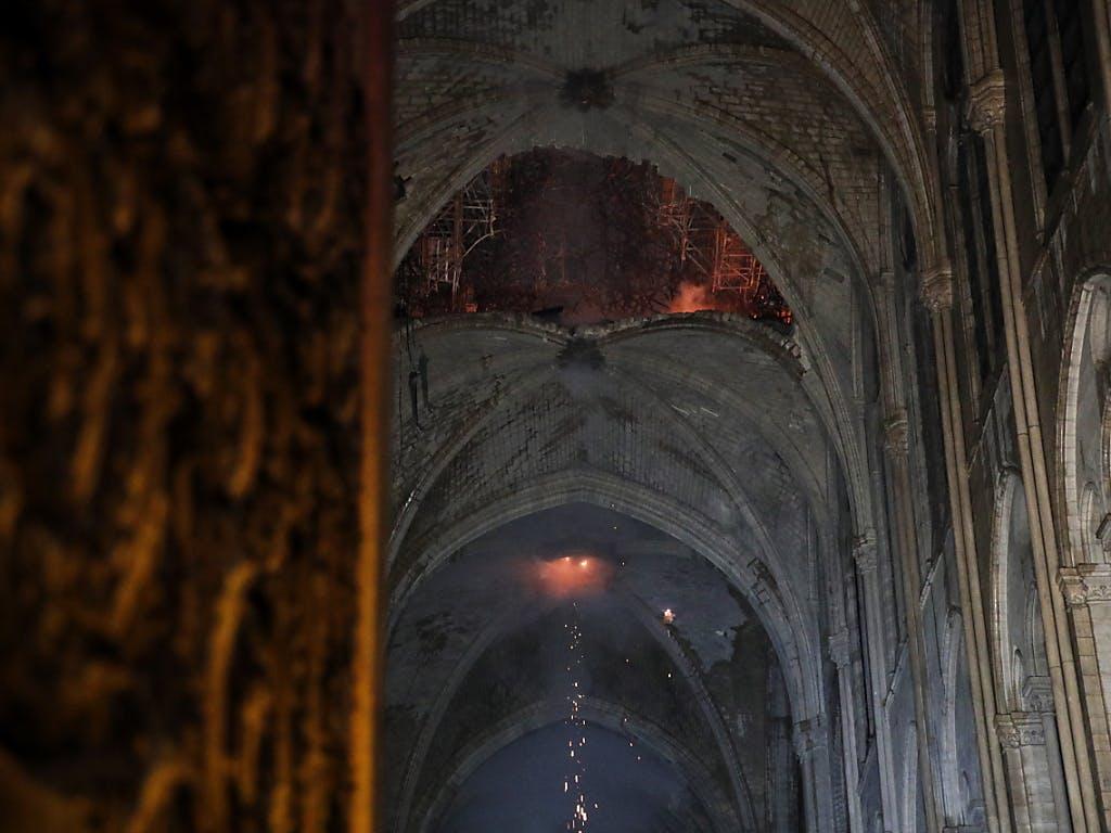 Le Feu Ma 238 Tris 233 224 Notre Dame De Paris