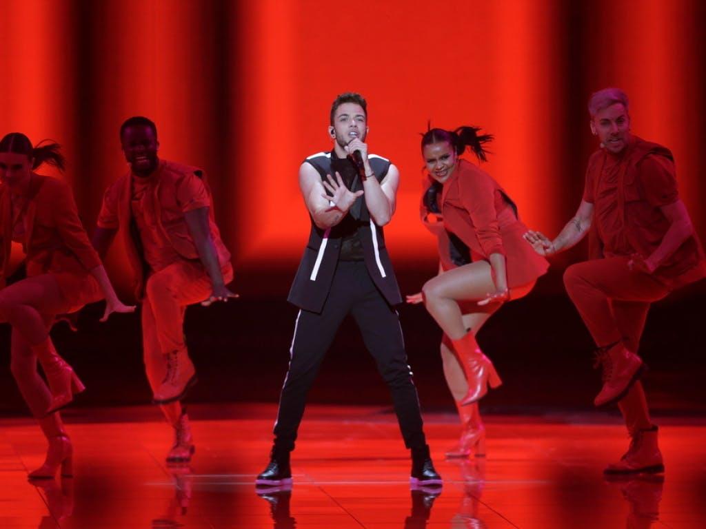 Eurovision Song Contest 2019: Luca Hänni feiert in Boxershorts