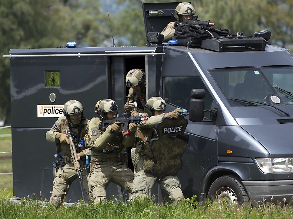 Attaque Terroriste: Le Valais Simule Une Attaque Terroriste