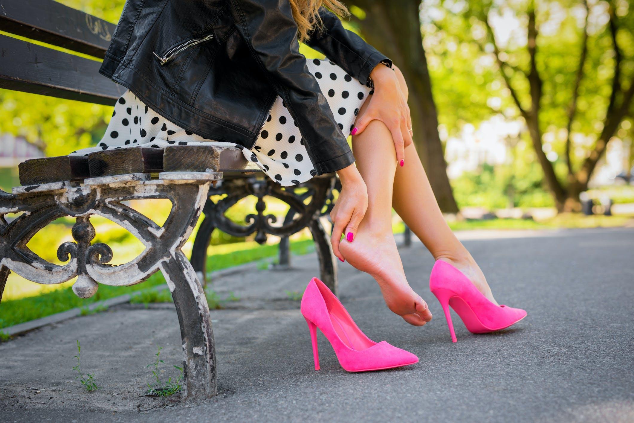 High heels tragen ich muss Sollten Frauen