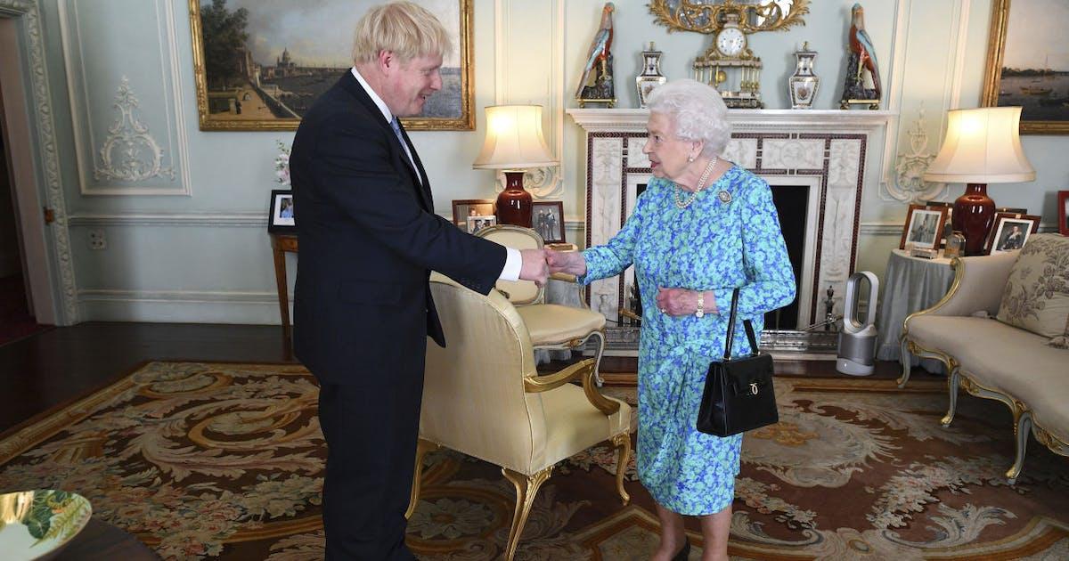 Gb la regina affida governo a boris johnson for Area clienti 3 servizi in abbonamento