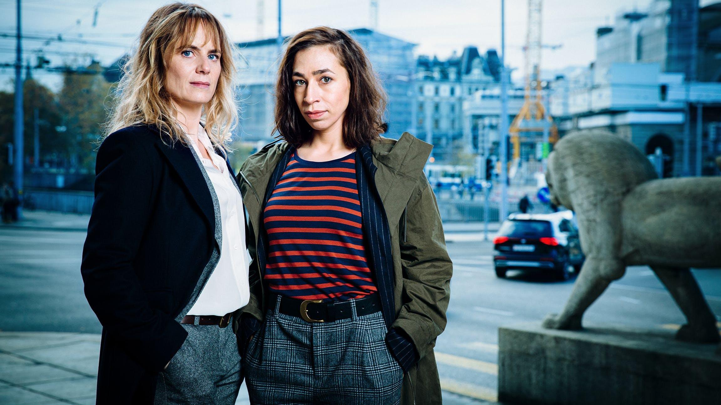 Die zwei Hauptdarstellerinnen Anna Pieri Zuercher als Kommissarin Isabelle Grandjean und Carol Schuler als Tessa Ott.