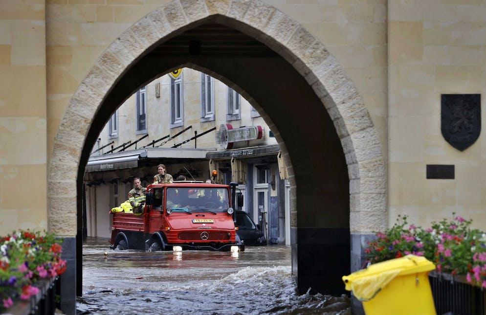 Inondations à Valkenburg aan de Geul, Pays-Bas, le 15 juillet 2021. Des rues ont été inondées en raison de la montée des eaux de la rivière Geul au milieu de fortes pluies affectant la région.