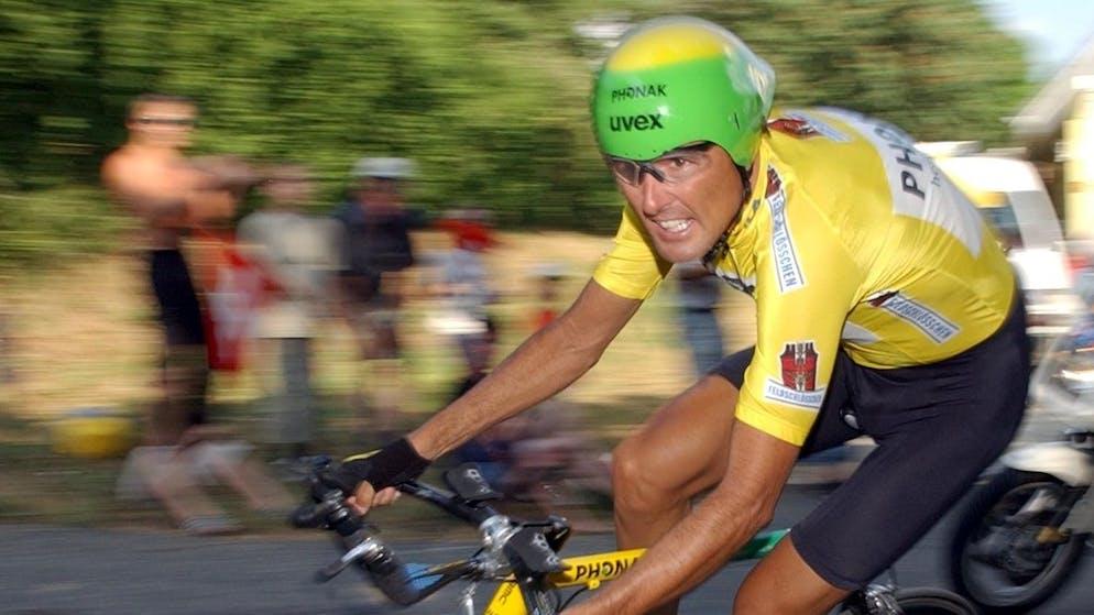 Der Schweizer Fahrer Alex Zuelle fuhr auf den 4. Platz, vom Team Phonak, am Dienstag 16. Juni 2003, waehrend des Prolog in Egerkingen zur 67. Tour de Suisse. (KEYSTONE/Juerg Mueller)