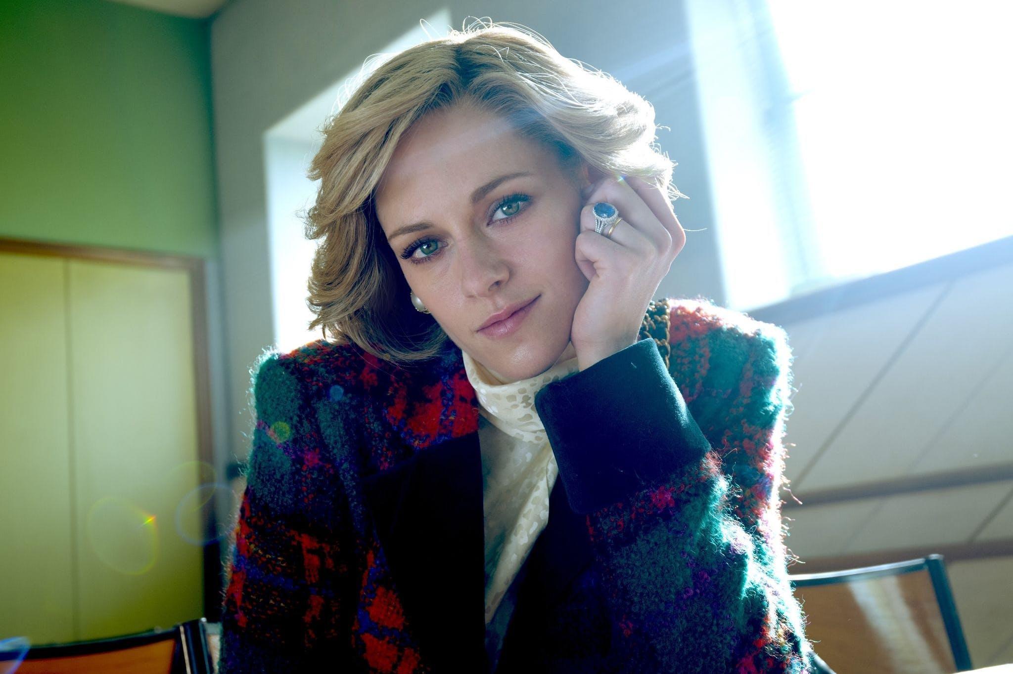 Kristen Stewart als Prinzessin Diana am Set zu «Spencer». Der hochkarätig besetzte Film läuft im Wettbewerb von Venedig.