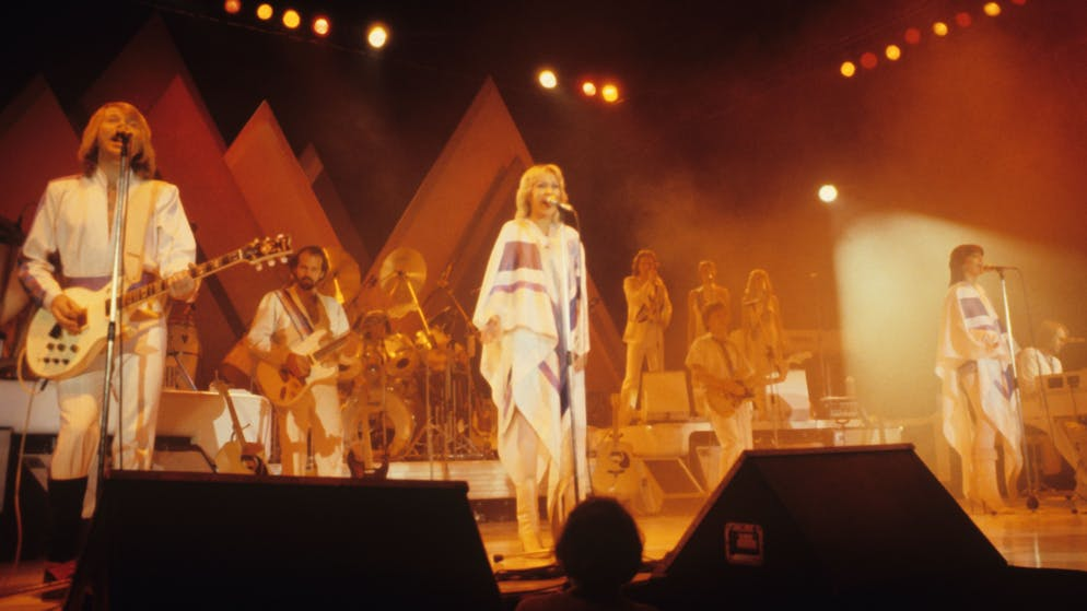 LONDON, UNITED KINGDOM - NOVEMBER 01 : Bjorn Ulvaeus, Agnetha Faltskog, Anni-Frid Lyngstad and Benny Andersson of Swedish pop group Abba perform on stage at Wembley Arena in London, England in November 1979 (Photo by Mike Prior/Redferns)