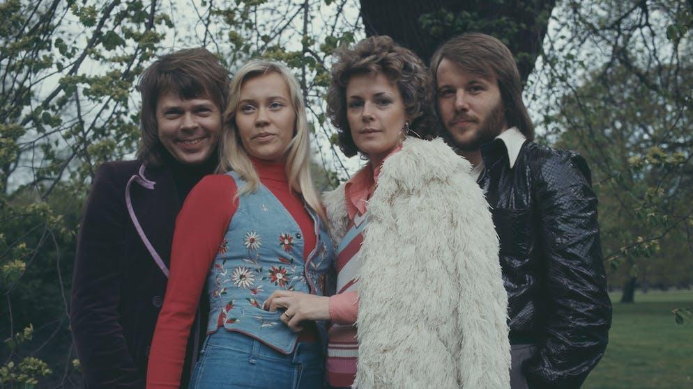 Swedish pop group Abba promote their single 'Waterloo' in Copenhagen, Denmark in 1974. (L-R) Björn Ulvaeus (Bjorn Ulvaeus), Agnetha Fältskog (Agnetha Faltskog), Anni-Frid Lyngstad, Benny Andersson.   (Photo by Keystone/Hulton Archive/Getty Images)