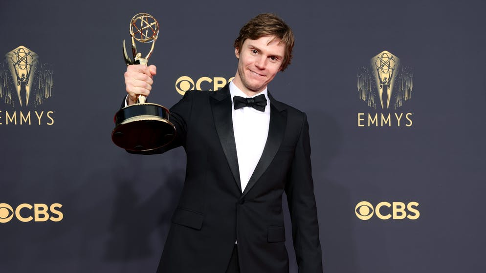 LOS ANGELES, CALIFORNIA - SEPTEMBER 19: Evan Peters, winner of the Outstanding Supporting Actor In A Limited Or Anthology Series Or Movie award for 'Mare Of Easttown,' poses in the press room during the 73rd Primetime Emmy Awards at L.A. LIVE on September 19, 2021 in Los Angeles, California. (Photo by Rich Fury/Getty Images)