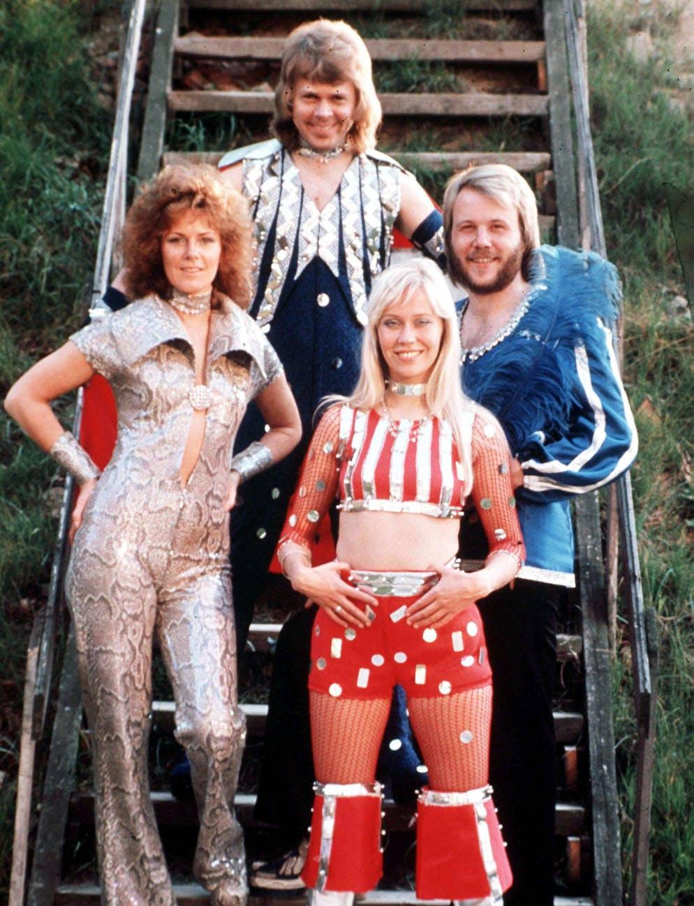 Die schwedische Popgruppe Abba, mit: Bjoern Ulvaeus, Agnetha Faeltskog, Anni-Frid Lyngstad und Benny Anderson, undatierte Aufnahme. (KEYSTONE/CAMERA PRESS/HEILEMANN) === ===