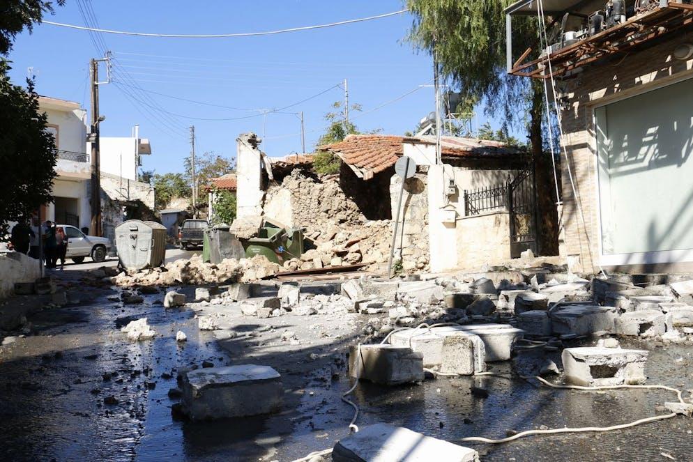 La désolation après le séisme à Arkalochori, dans l'est de la Crète, Grèce, le 27 septembre 2021.