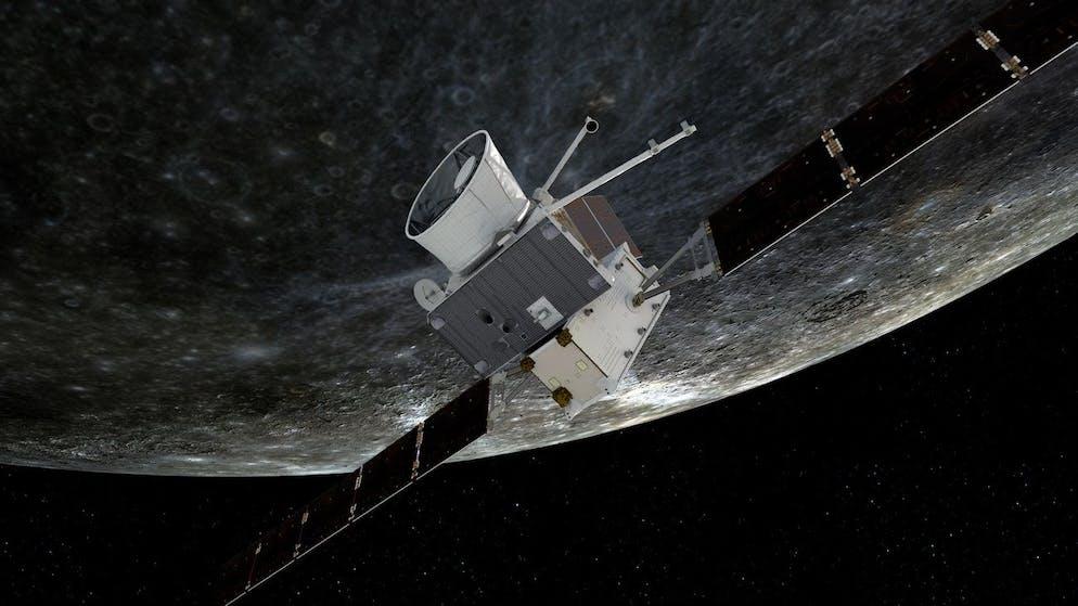Une photo non datée mise à disposition par l'Agence spatiale européenne (ESA) montre une impression d'artiste de la sonde BepiColombo volant près de Mercure (publiée le 1er octobre 2021). La sonde effectue neuf manœuvres d'assistance gravitationnelle (une de la Terre, deux de Vénus et six de Mercure) avant de se mettre en orbite autour de la planète la plus intérieure du système solaire en 2025.