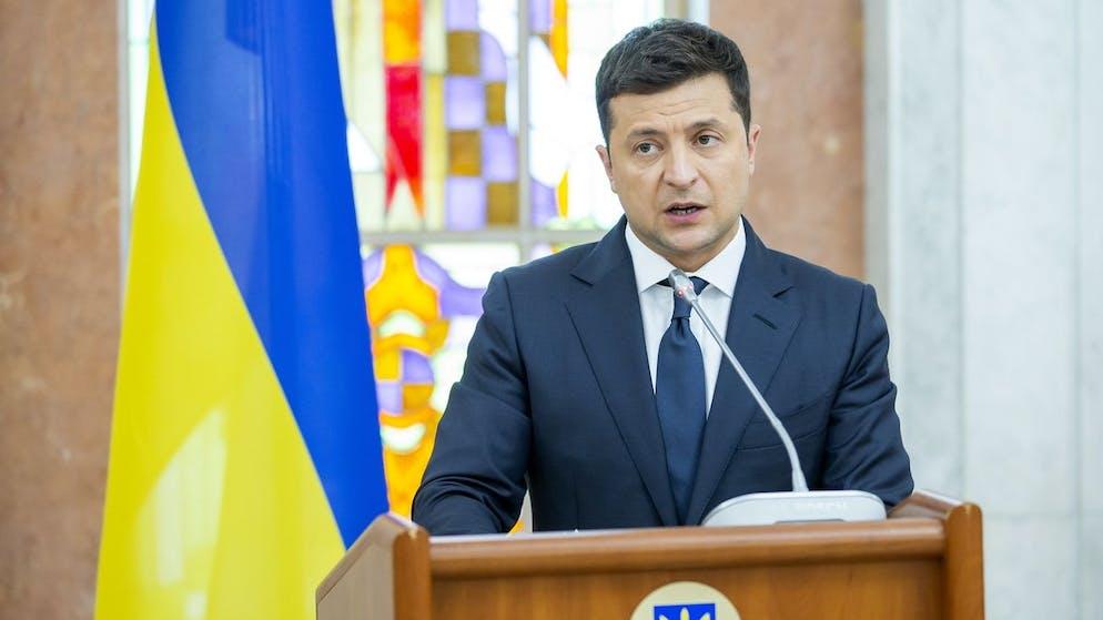 epa09432266 President of Ukraine Volodymyr Zelensky speaks during joint briefing after meetings in Chisinau, Moldova, 27 August 2021. Moldova celebrate 30 Years of Independence on 27 August. EPA/DUMITRU DORU