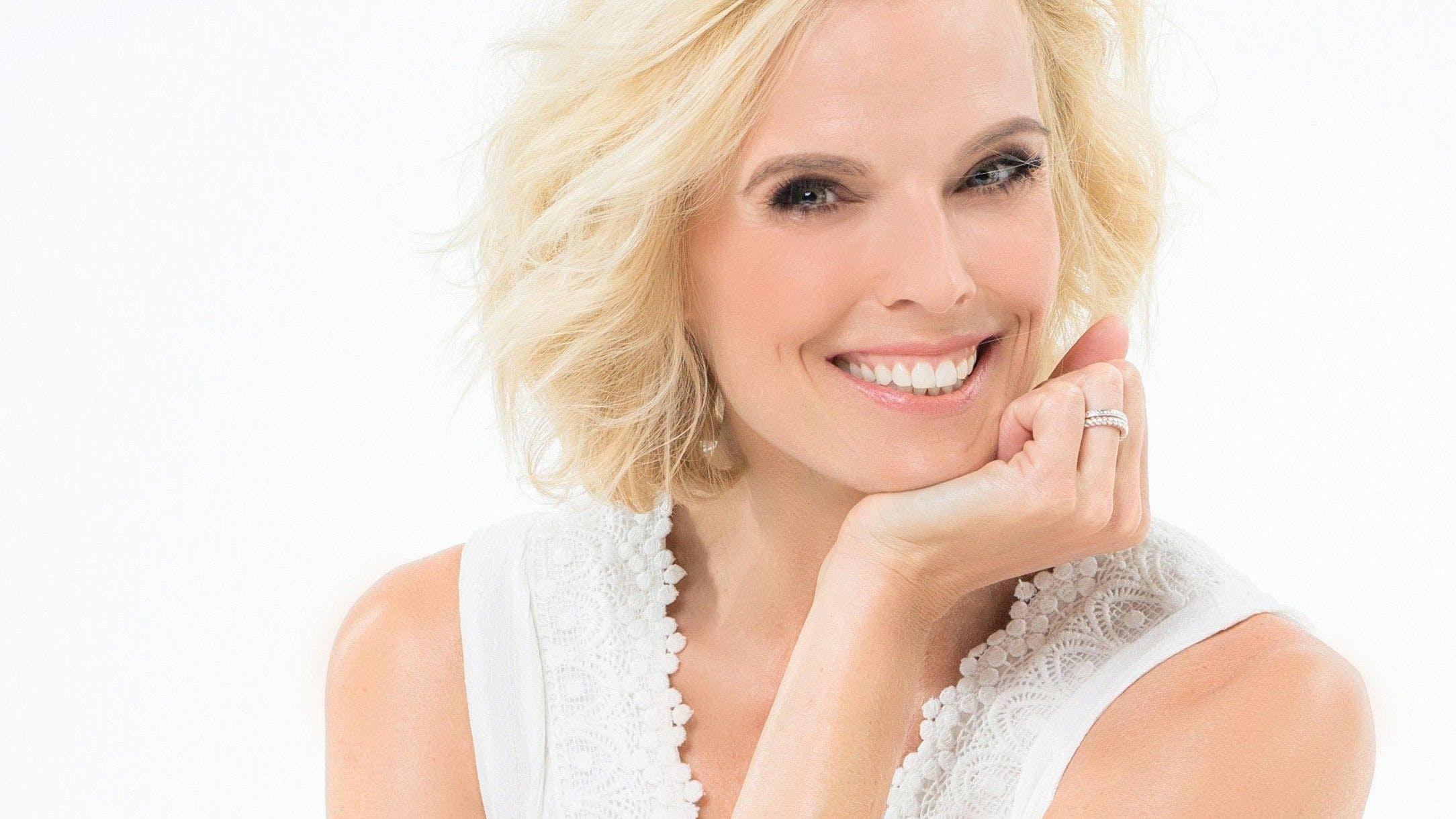 Stéphanie Berger startete ihre Karriere 1995 als Miss Schweiz. Nach ihrem Amtsjahr war die gelernte zahnmedizinische Assistentin als Moderatorin, Sängerin und Schauspielerin tätig. 2012 präsentierte sie ihr erstes Comedy-Programm. Sie ist Mutter eines Sohnes.