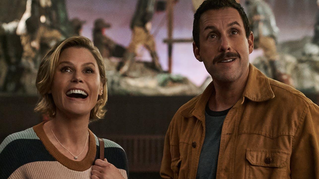 Die wunderbare Julie Bowen und Adam Sandler in seiner Horrorkomödie «Hubie Halloween». Für jene Sandler natürlich bei den «Razzies» nominiert ist.