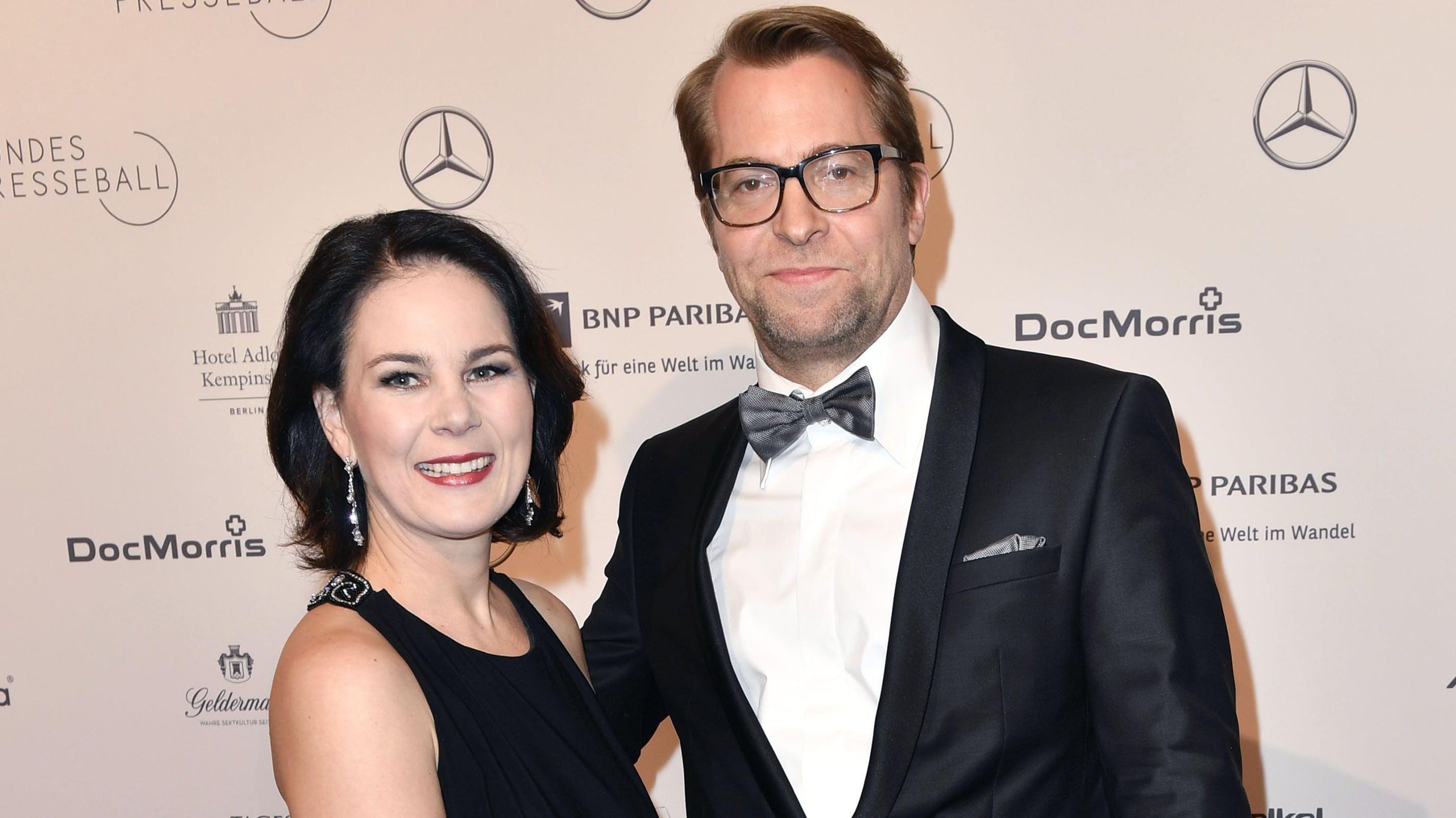 «Das Neue an Baerbocks Kanzlerkandidatur ist ja nicht, dass sie eine Frau ist. Das Neue ist, dass sie eine Frau mit kleinen Kindern ist»: Annalena Baerbock mit Ehemann Daniel Holefleisch.