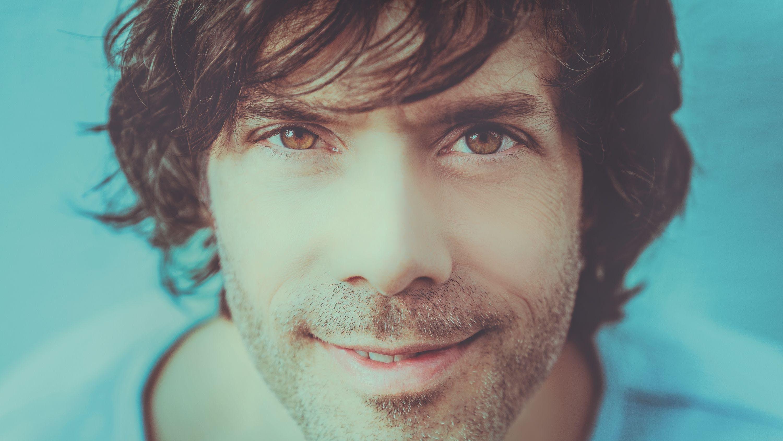 Musiker Adrian Stern hat sich vor wenigen Wochen mit einem neuen Album zurückgemeldet.«Meer» ist seine erste Platte seit vier Jahren.
