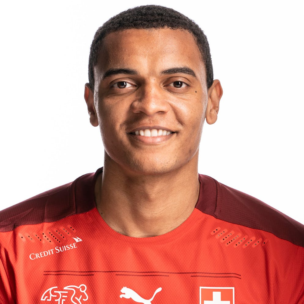 Portrait von Manuel Akanji, der Schweizer Fussballnationalmannschaft, aufgenommen am 22. Maerz 2021 in Abtwil (SG). (KEYSTONE/Gaetan Bally)