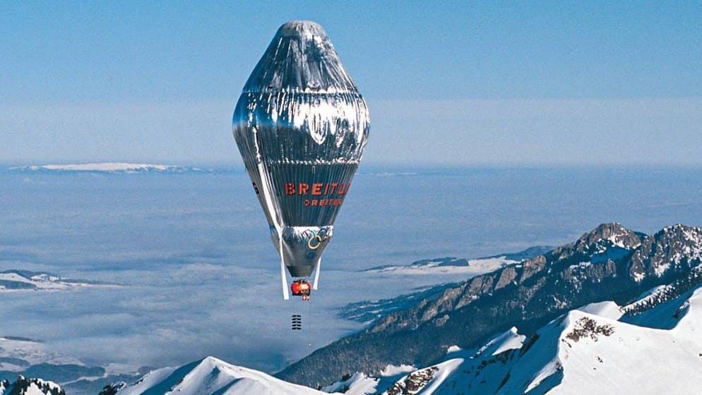Seguendo le orme dei suoi antenati: Nel marzo 1999, Betrand Piccard e Brian Jones sono decollati da Château d'Oex con il Breitling Orbiter 3 per circumnavigare il mondo. Il pallone, alimentato solo dal vento, è atterrato in Egitto dopo 45.755 km e poco meno di 20 giorni.