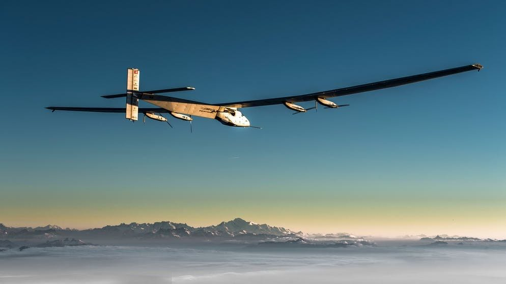 Solar Impulse 2: tra il 2015 e il 2016, Bertrand Piccard e André Borschberg hanno completato il primo volo, a tappe, senza carburante intorno al mondo in un aereo solare.