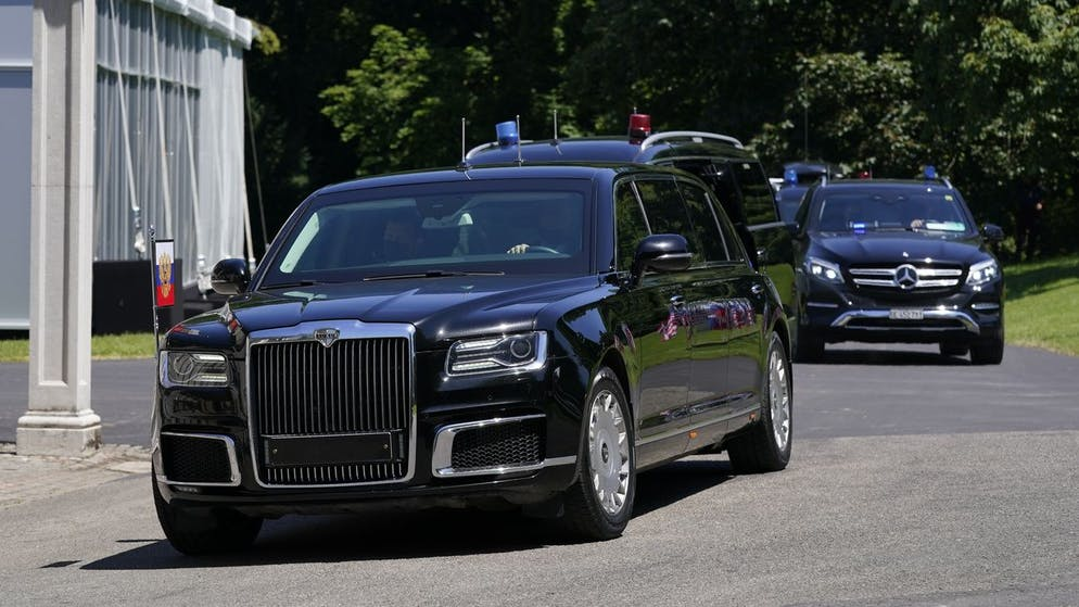 Russian President Vladimir Putin's motorcade arrives ahead of Putin's meeting with President Joe Biden, Wednesday, June 16, 2021, in Geneva, Switzerland. (AP Photo/Patrick Semansky)