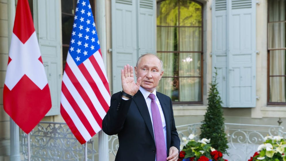 Russia's President Vladimir Putin leaves after the U.S.-Russia summit at Villa La Grange in Geneva, Switzerland, Wednesday, 16 June 2021. (KEYSTONE/REUTERS POOL/Denis Balibouse)