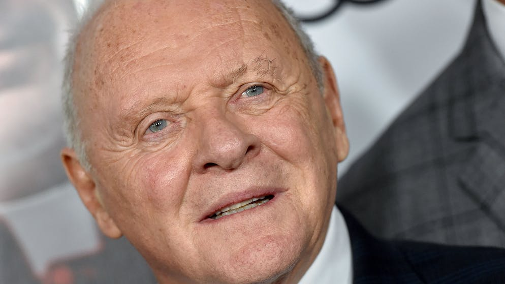 HOLLYWOOD, CALIFORNIA - NOVEMBER 18: Anthony Hopkins attends the