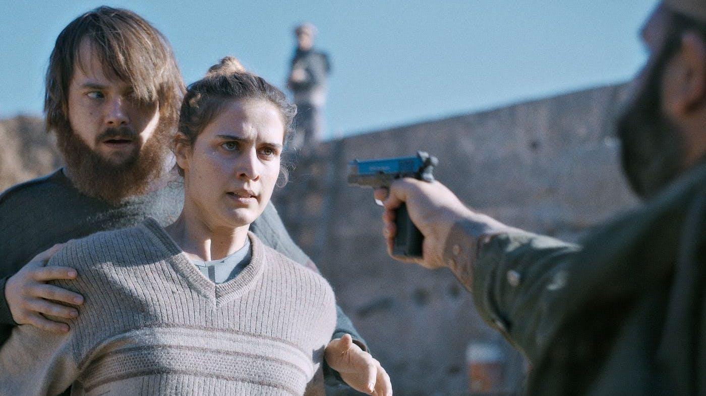 Daniela (Morgane Ferru) und David (Sven Schelker) werden 2011 in Pakistan entführt. Die wahre Geschichte hat der Schweizer Regisseur Michael Steiner nun verfilmt.