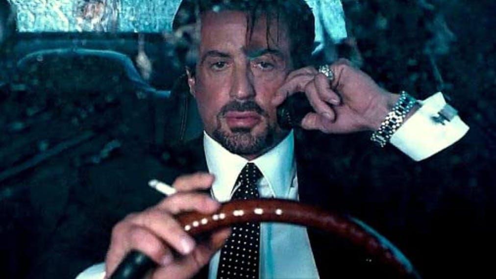 «Get Carter» (2000): Keiner kommt an Stallones Einzeiler heran, wie auch dieser hier beweist. «Mein Name ist Jack Carter und du willst mich nicht kennen.» – und schon kommt die Faust angeflogen.